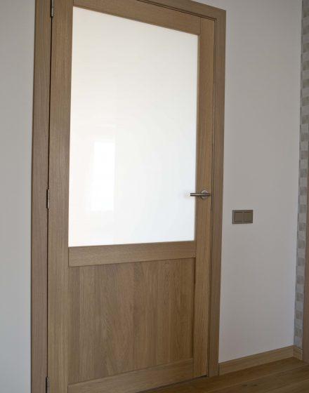 Drewniane dębowe drzwi z litego dębu: modele D2F i D2F1S, kolor Szary 3417.