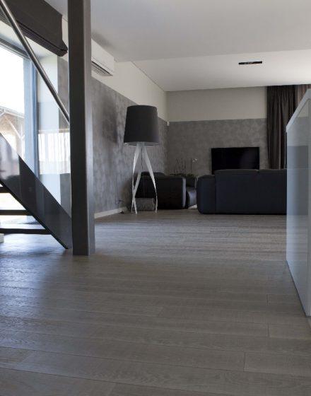 Medinės grindys: ąžuolinės, spalva Skaidriai balta Q-3409.