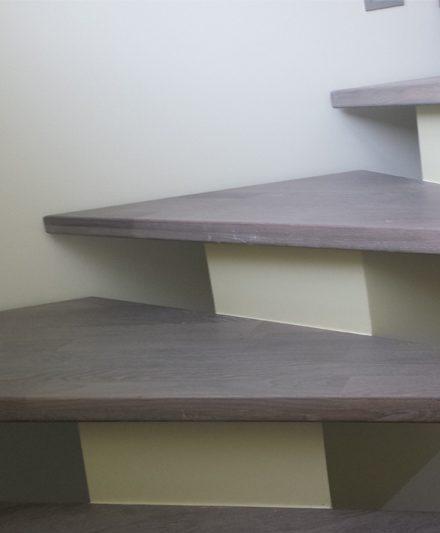 mediniai laiptai U forma Medzio stilius