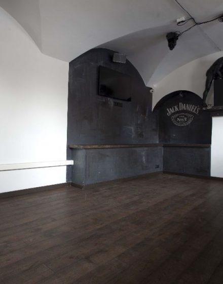 Medinės grindys iš ąžuolo: spalva Juodmedis 3490.