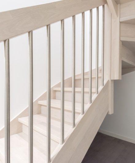 Mediniai ąžuoliniai laiptai: spalva Nordic N-3408 Medžio stilius