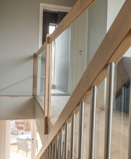 Mediniai ąžuoliniai laiptai I forma kriaušė 3418 Medžio stilius