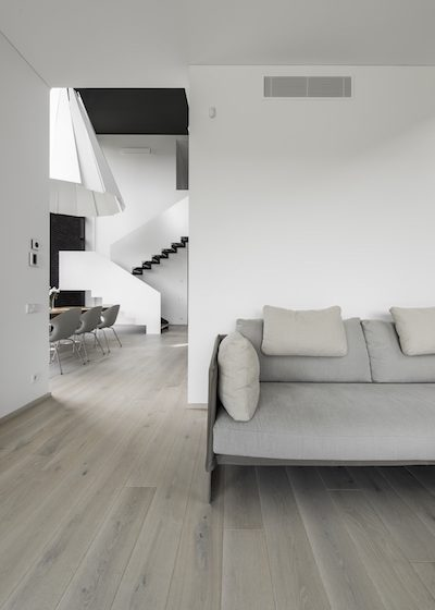 Medinės grindys iš ąžuolo: spalva Nordic N-3408.