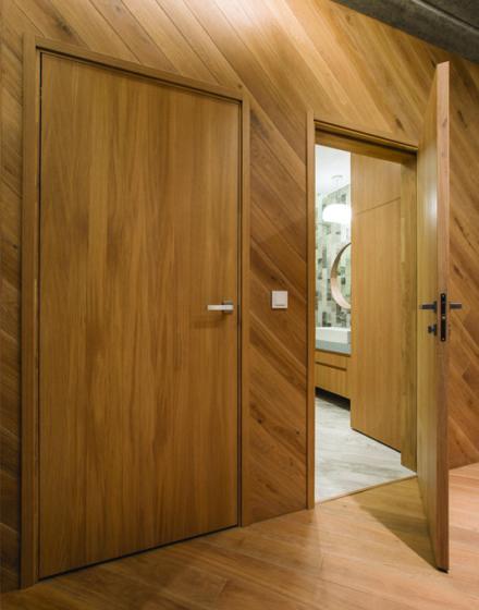 Dębowe drzwi z litego dębu.