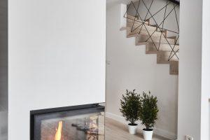 Deski dębowe i schody, kolor Nordic