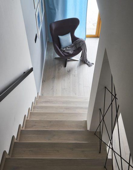 Medinės grindys Mediniai laiptai I forma Nordic N-3408 Medžio stilius
