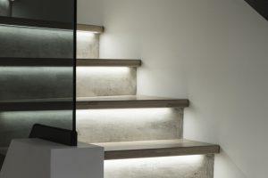 Realizacje schodów – jasne kolory