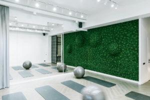 Realizacja dębowa jodełka - Yoga studio