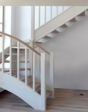mediniai ąžuolo masyvo laiptai Nordic N-3408 Medžio stilius