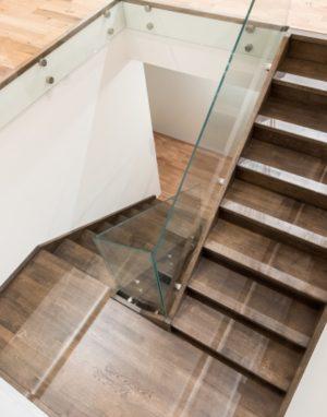 Mediniai ąžuoliniai laiptai: U forma, Juodmedis 3490 Medžio stilius