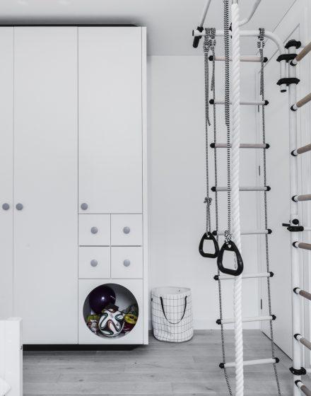 Drewniana dębowa podłoga: kolor Nordic white N-3408.
