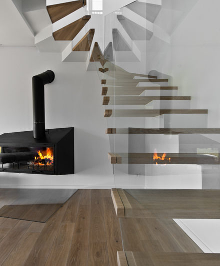 Medinės ąžuolinės grindys Skaidriai balta 3409 Medžio stilius