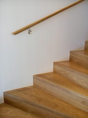 Dębowe schody z litego dębu: forma U, Bezbarwny olej 3305.