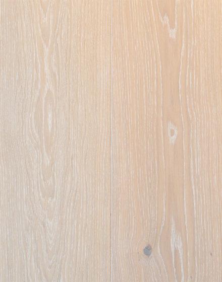 Ekstra biel 3408 Podłogi dębowe są wykończone naturalnie schnącym i ekologicznym olejem z woskiem SAICOS